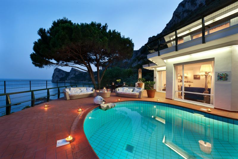 Buy a house in Capri by the sea Prices