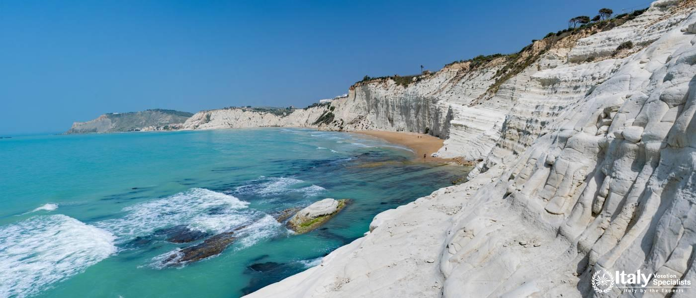 Visit the incredible Scala dei Turchi in Sicily