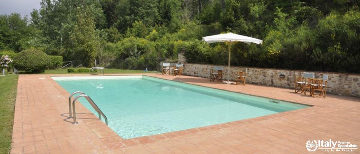 Swimming pool in Villa Di Montesoli