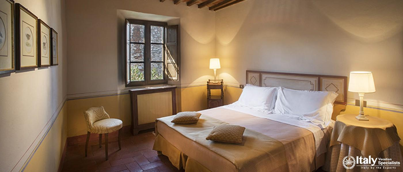 Double bed in Villa Del Casaletto