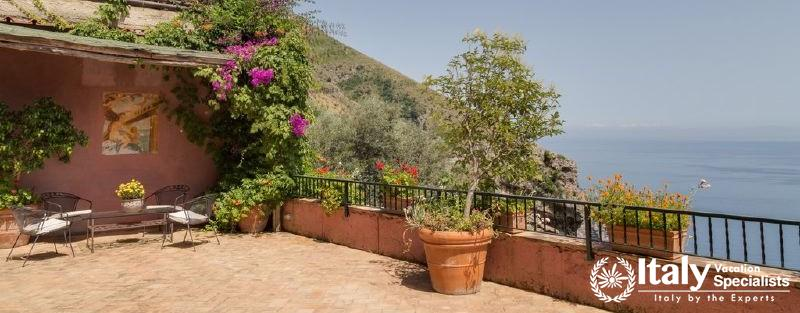 Terrace with beautiful view in Villa Aranceto