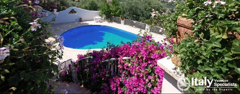 Swimming pool in Villa Mio