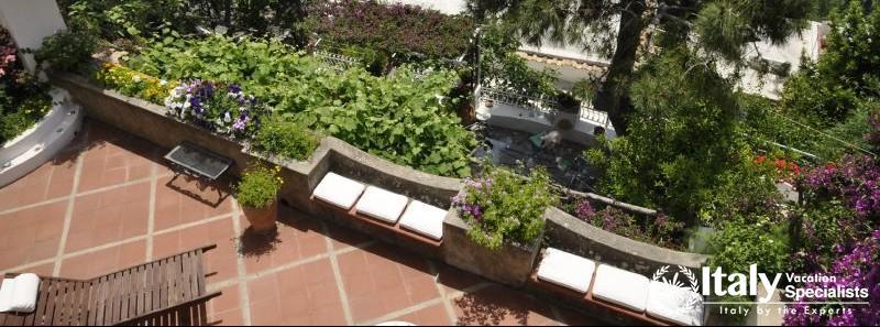 Beautiful sitting area in the terrace of Villa Giulia