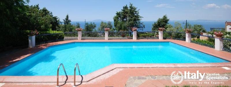 Outdoor swimming pool in Marrachinho
