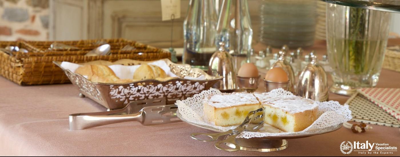 Eatables in Villa Pattoni