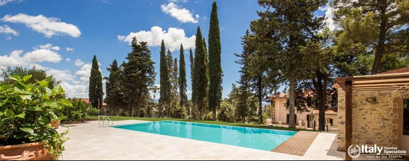 Swimming pool in Villa Giovanile