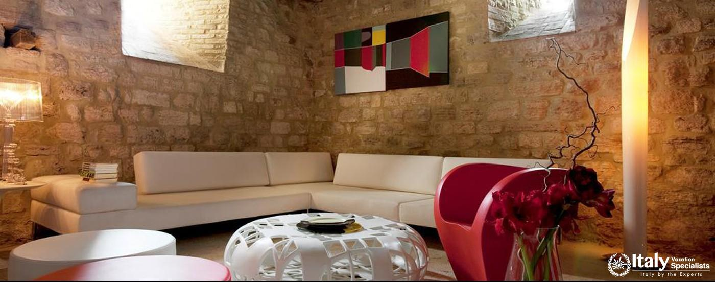 Sitting area and sofas in Torre Crusca