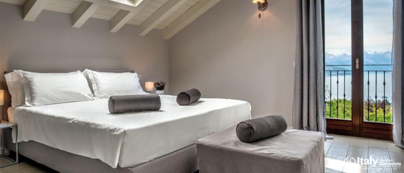 Luxury bedrooms in Villa Lumsdens