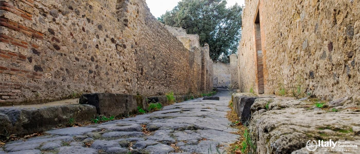 Cobble Street - Pompeii - Italy