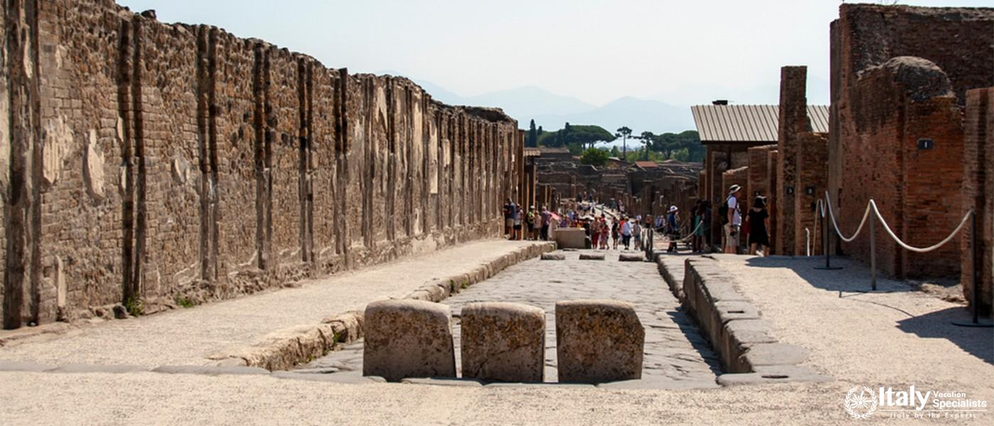 AT POMPEI  - Ruins of ancient roman town of Pompeii, destroyed by vesuvius eruption in 70 d.c.